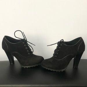 Shoes - Black Sophie 17 shoes size 6